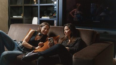 Photo of Justine Bateman Feature Directorial Debut 'Violet' Sets Fall Theatrical Release – TIFF