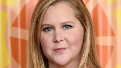 Photo of Amy Schumer Shared a Hospital Update After Her Doctor Found '30 Spots of Endometriosis' During Her Hysterectomy