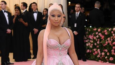 Photo of Nicki Minaj Debuts Hot New Hair Makeover With Pink Streak — Before & After Photos