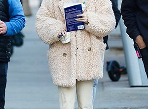 Photo of Stars Wearing UGGs For Fall: Photos Of Selena Gomez, J.Lo & More In The Comfy Footwear