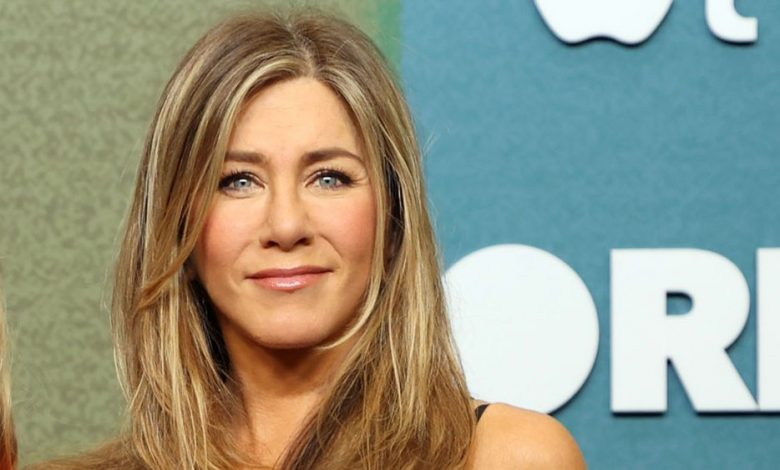 jennifer-aniston's-facialist-compared-this-mascara-to-having-lash-extensions