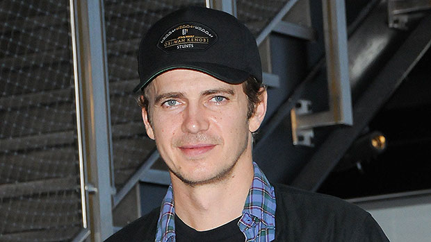Photo of Hayden Christensen Has Barely Aged Since 'Star Wars' In Rare NYC Comic Con Appearance — Photos