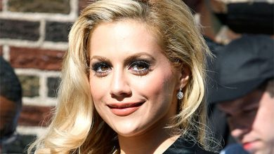 Photo of How Did Brittany Murphy Die? New Doc Explains Her Cause Of Death Isn't A 'Mystery'